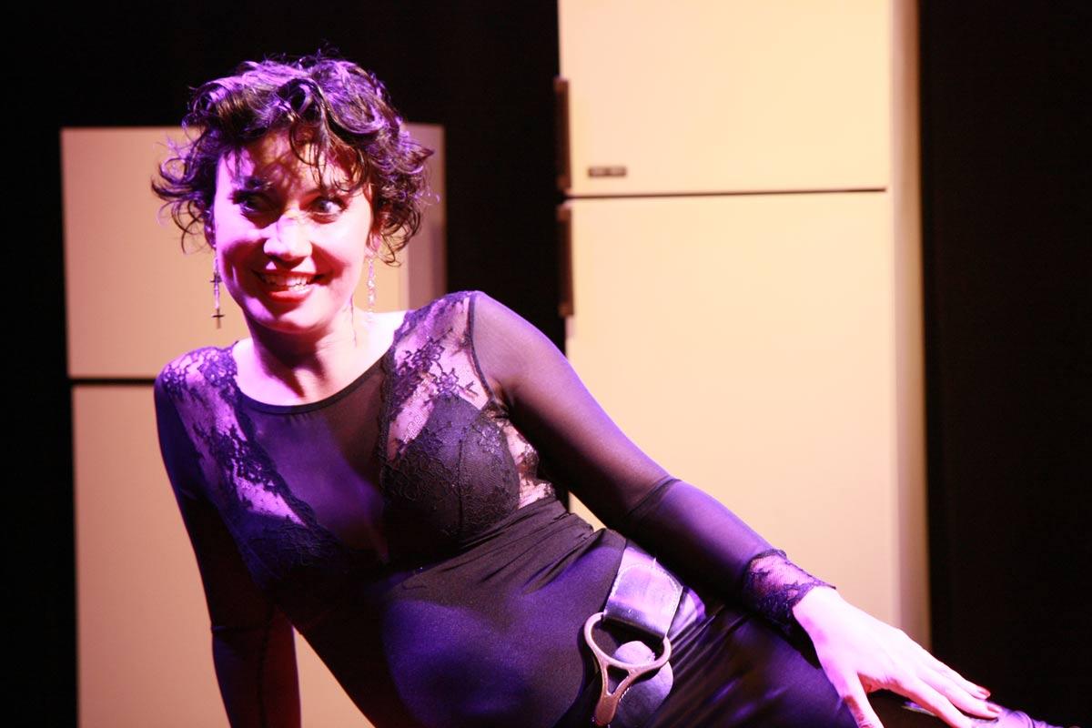 """""""Sextett"""" de Rémi De Vos, représentations au Théâtre Anne de Bretagne à Vannes, au City à Lorient et au Cairn à Larmor-Baden, par l'atelier théâtre adultes avancés."""